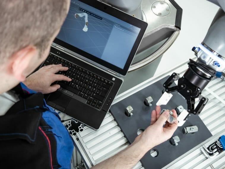 Produktionsplanung mit Software zur Roboterprogrammierung