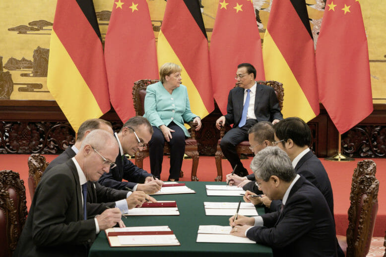 Schaeffler und Merkel zu autonomem Fahren in China