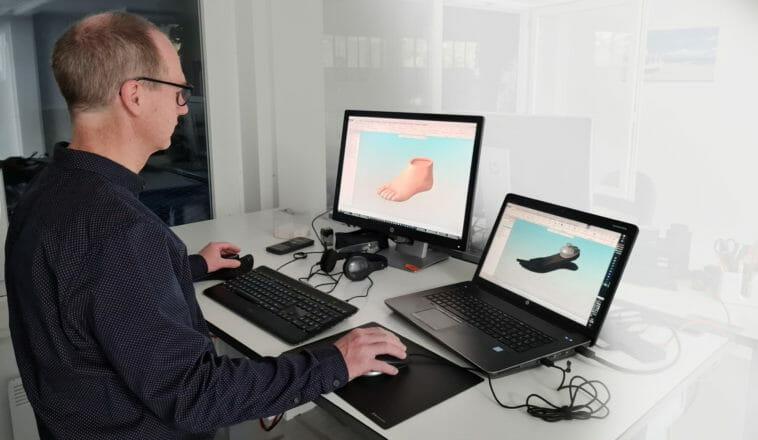 CAD-Anwender vor dem PC