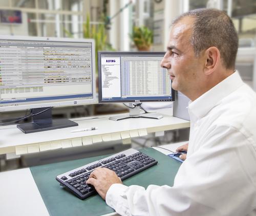 Der Psipenta-Leitstand bei AKS kann sich sehen  lassen. Hier erhalten die Mitarbeiter die Inform- ationen, die sie zur optimalen Planung der Aufträge und Arbeitsgänge benötigen.