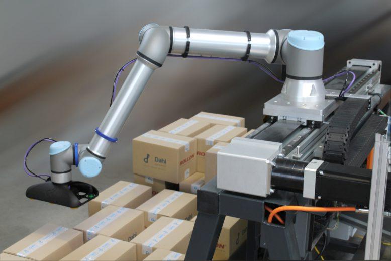 rollon_dahl_linearachsen_ur-roboter