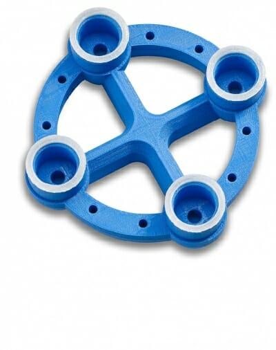 Bild 2: Ein Beispiel für ein mit dem Freeformer gefertigtes Zwei-Komponenten-Bauteil in Hart-Weich-Verbindung ist ein Vakuumgreifer aus ABS mit weichen Dichtlippen aus TPU.