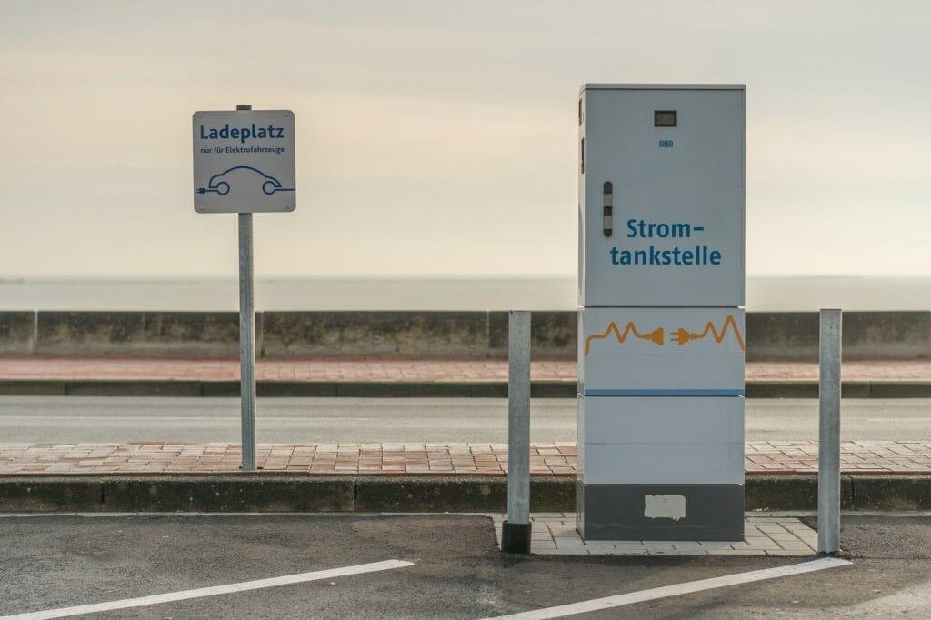 Elektromobilität: Fast zwei Drittel der Deutschen sind offen für E-Autos