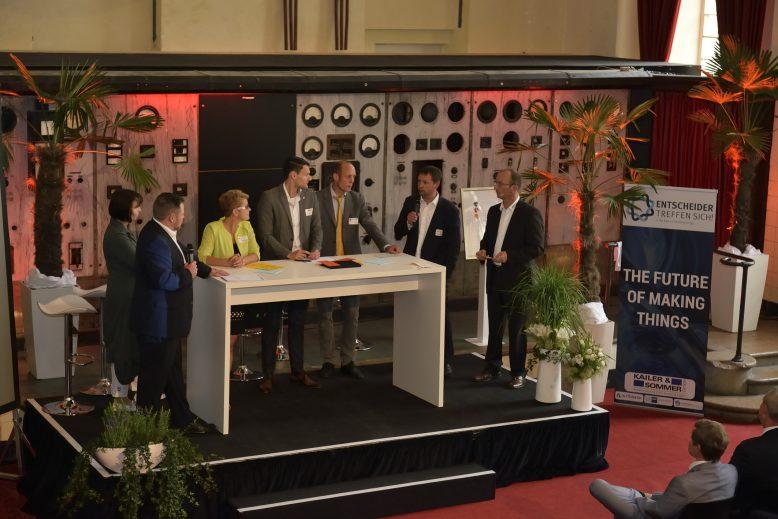 kus_futurethings2016_podium7630