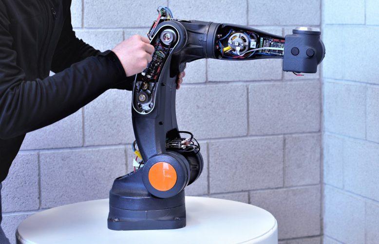 robotic_arm_somanet_servo_drive_2
